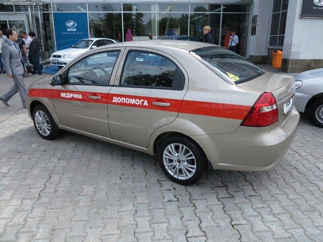 zaz-pokazal-novye-avtomobili-dlya-politsii-i-medikov-video_7